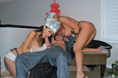 Kelly Madison - Kelly and Persia (Thumb 09)