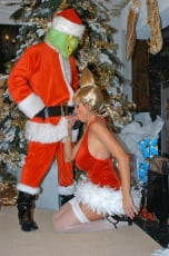 Kelly Madison - Mr. Grinch (Thumb 07)