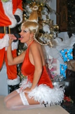 Kelly Madison - Mr. Grinch (Thumb 09)