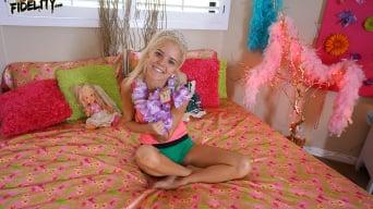 Halle Von in 'Beauty Pageant Princess'