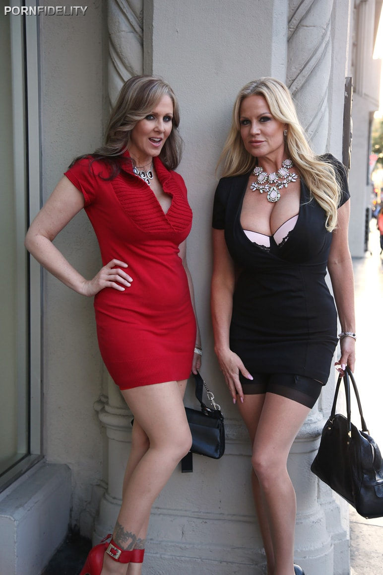 Julia Ann in Hollywood Hook Up (Photo 1)   Porn Fidelity