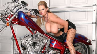 Kelly Madison in 'Bitchin' Biker BJ'
