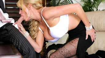 Kelly Madison in 'Business Woman's BJ'
