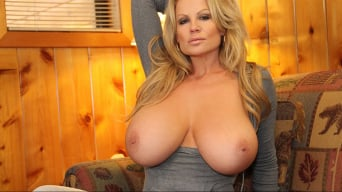 Kelly Madison in 'Cabin Fever'