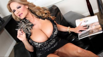 Kelly Madison in 'Christmas list or lust'
