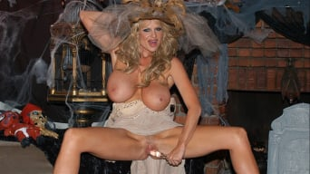 Kelly Madison in 'Pleasure Potion'
