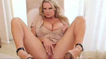 Kelly Madison in 'Puttin On The Ritz'