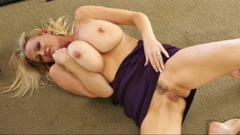 Kelly Madison in 'Quickie On The Floor'