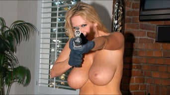Kelly Madison in 'Shootin' Wabbits'