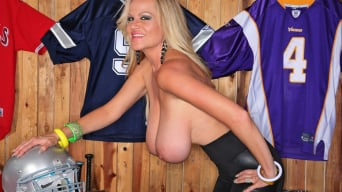 Kelly Madison in 'Titball'