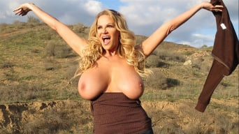 Kelly Madison in 'Titty Trecking'